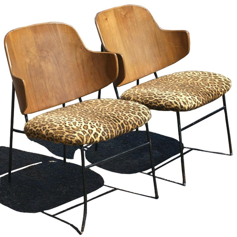 Two Vintage Danish Larsen Kofod Penguin Lounge Chairs In Good Condition For Sale In Pasadena, TX