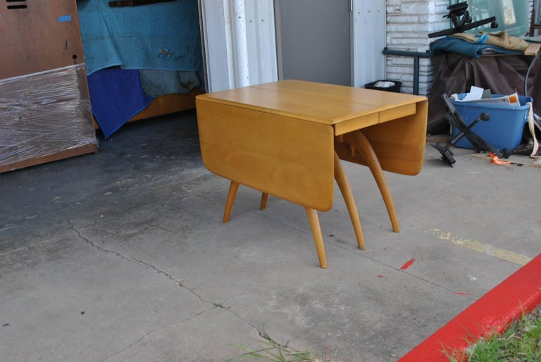 Heywood Wakefield Butterfly Dining Table In Good Condition For Sale In Pasadena, TX