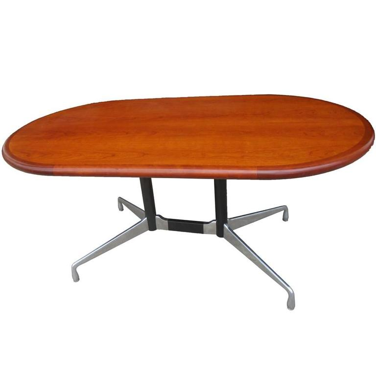 Vintage Herman Miller Table or Desk with Walnut Top In Good Condition For Sale In Pasadena, TX