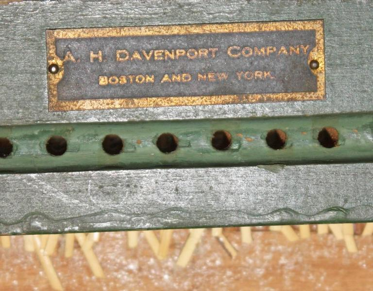 Federal Style Settee by A.H. Davenport Company In Good Condition For Sale In Dallas, TX