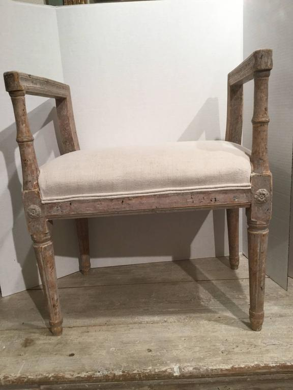Swedish Gustavian Period 18th Century Stool In Excellent Condition For Sale In Dallas, TX