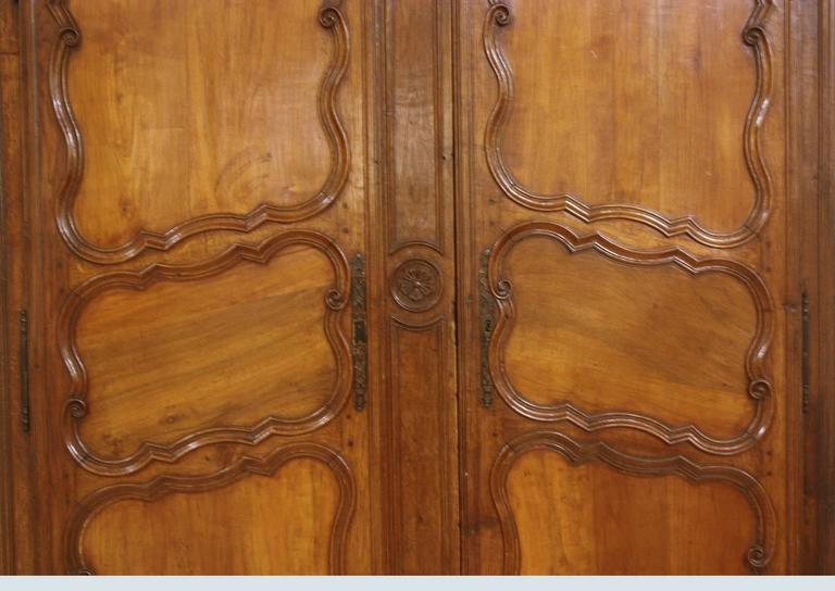 Large 18th Century French Walnut Armoire In Good Condition For Sale In Dallas, TX