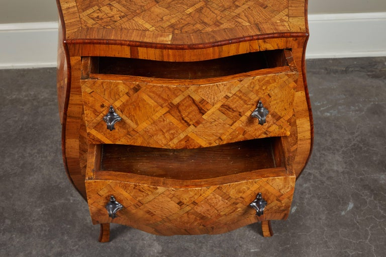 20th Century Petite Italian Marquetry Chest of Drawers In Good Condition For Sale In South Pasadena, CA