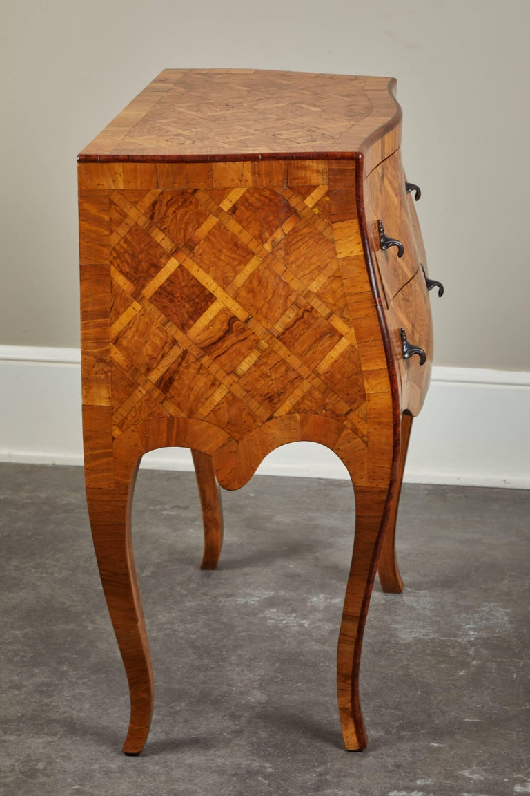 20th Century Petite Italian Marquetry Chest of Drawers For Sale 5