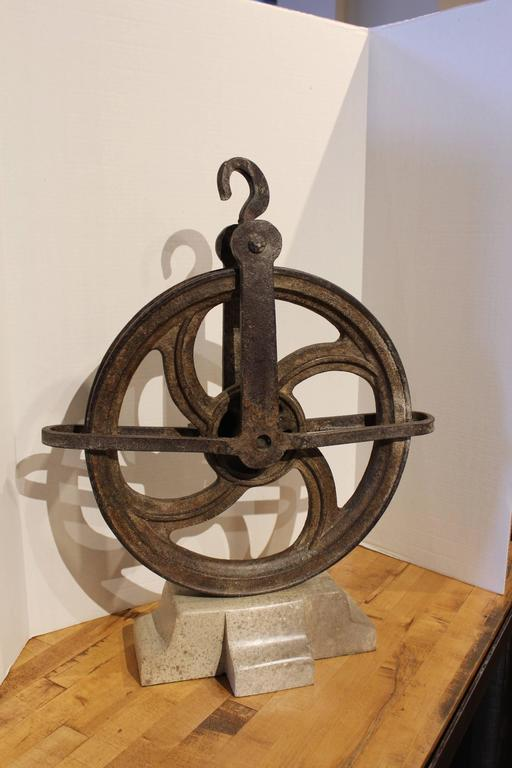 French tradesman pulley wheel decor for sale at 1stdibs for Decorating with pulleys