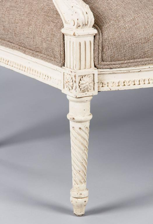 French Louis XVI Style Painted Settee, Early 1900s For Sale 1
