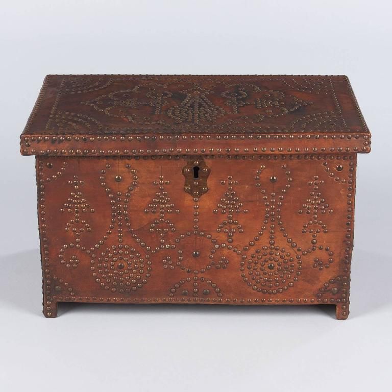 19th Century French Louis XIII Leather Trunk with Antique Nailhead Trim, Early 1800s For Sale