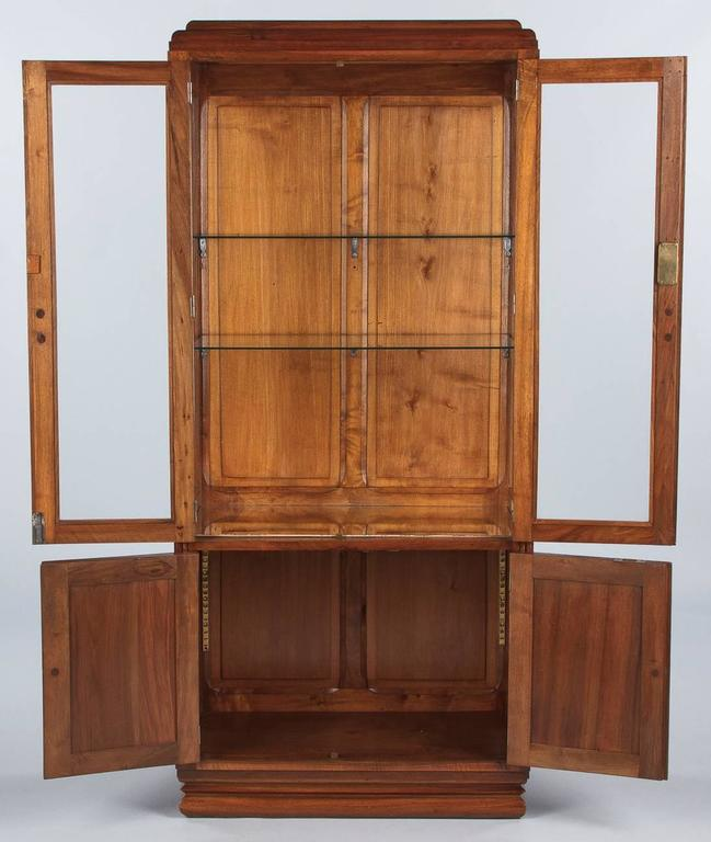 French Art Deco Walnut Display Cabinet or Bookcase, 1930s For Sale 3