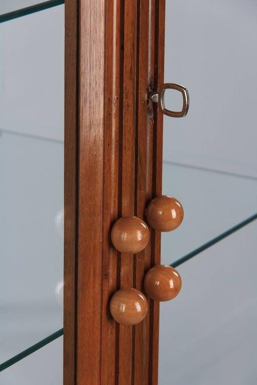 French Art Deco Walnut Display Cabinet or Bookcase, 1930s For Sale 1