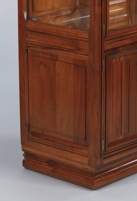 Glass French Art Deco Walnut Display Cabinet or Bookcase, 1930s For Sale