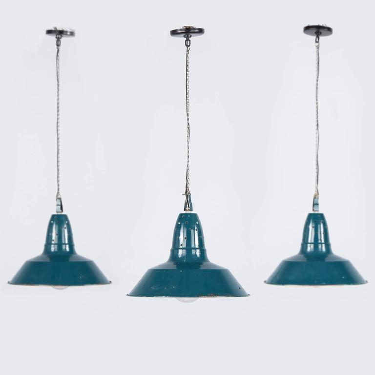 Set of three french industrial metal suspension light - Suspension metal industriel ...