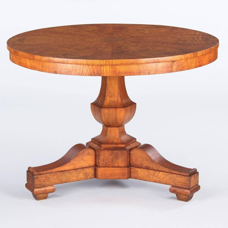 French Charles X Period Ashwood Pedestal Table, Early 1800s For Sale 4