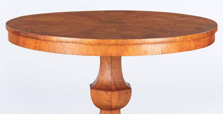 French Charles X Period Ashwood Pedestal Table, Early 1800s In Good Condition For Sale In Austin, TX
