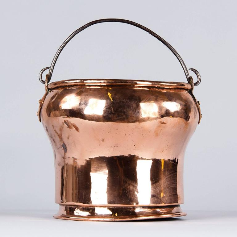 French 19th Century Copper Bucket In Good Condition For Sale In Austin, TX