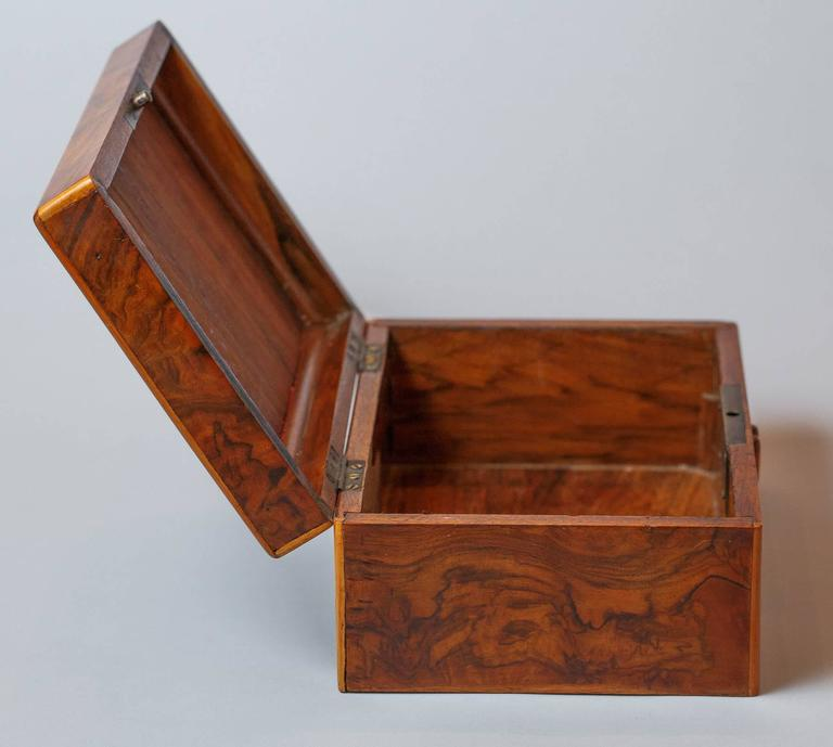 French Walnut Jewelry Box, Early 1900s For Sale 6
