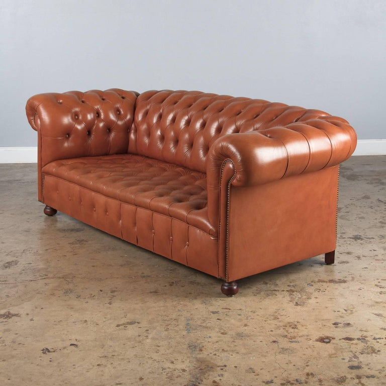 Vintage English Leather Chesterfield Sofa, 1960s For Sale 5