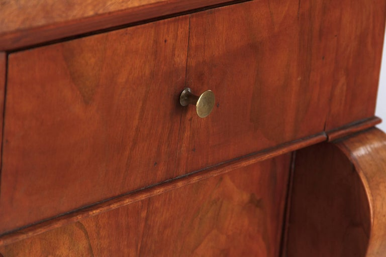 French Restoration Period Walnut Bedside Cabinet, 1820s In Good Condition For Sale In Austin, TX