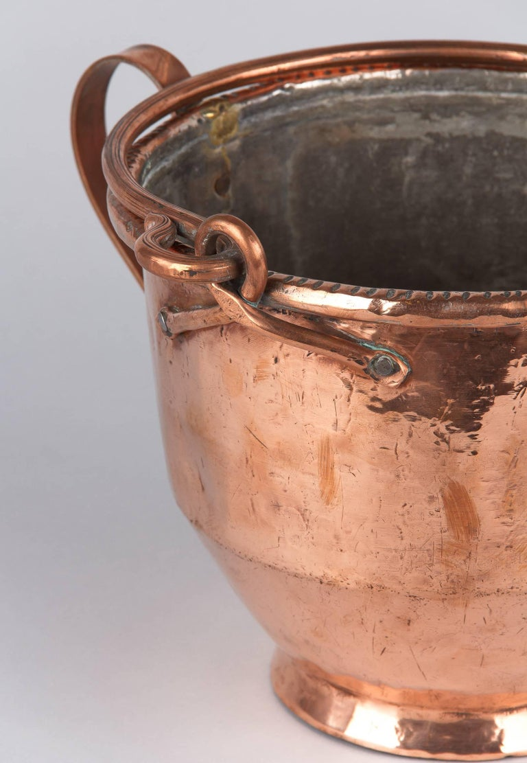French Copper Wine Pitcher, Burgundy Region, 1900s In Good Condition For Sale In Austin, TX