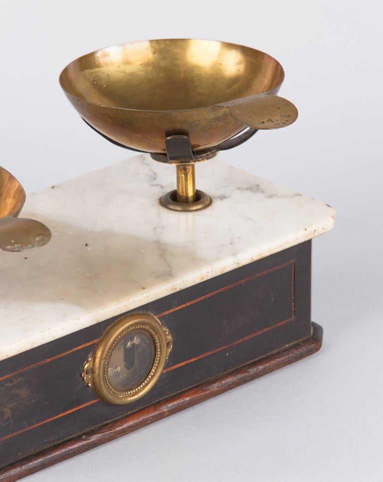 Napoleon III Herbalist Scale, France, 1870s In Good Condition For Sale In Austin, TX