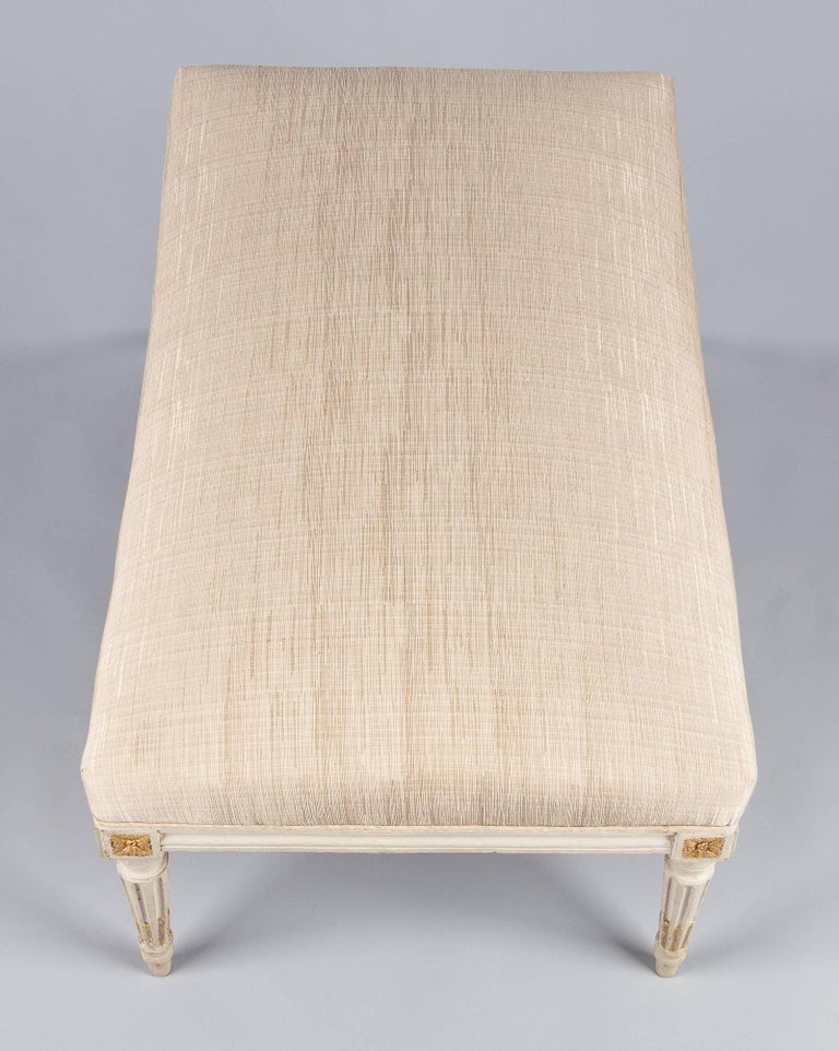 Louis XVI Style Upholstered Painted Ottoman, France, Early 1900s In Good Condition For Sale In Austin, TX