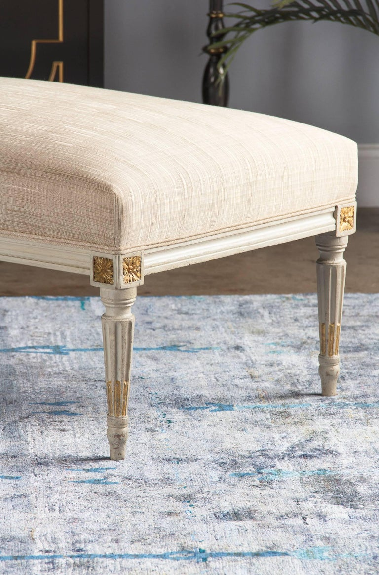 Louis XVI Style Upholstered Painted Ottoman, France, Early 1900s For Sale 4