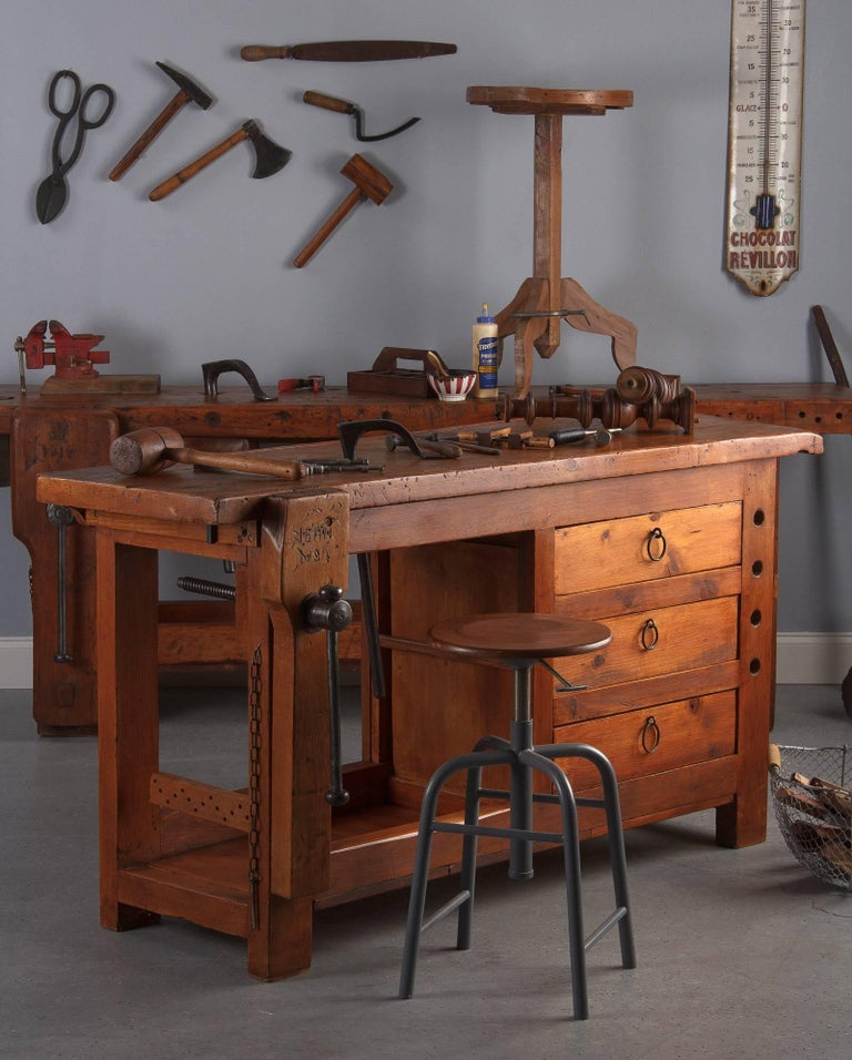 French Carpenter's Workbench in Elm, 1950s For Sale 7