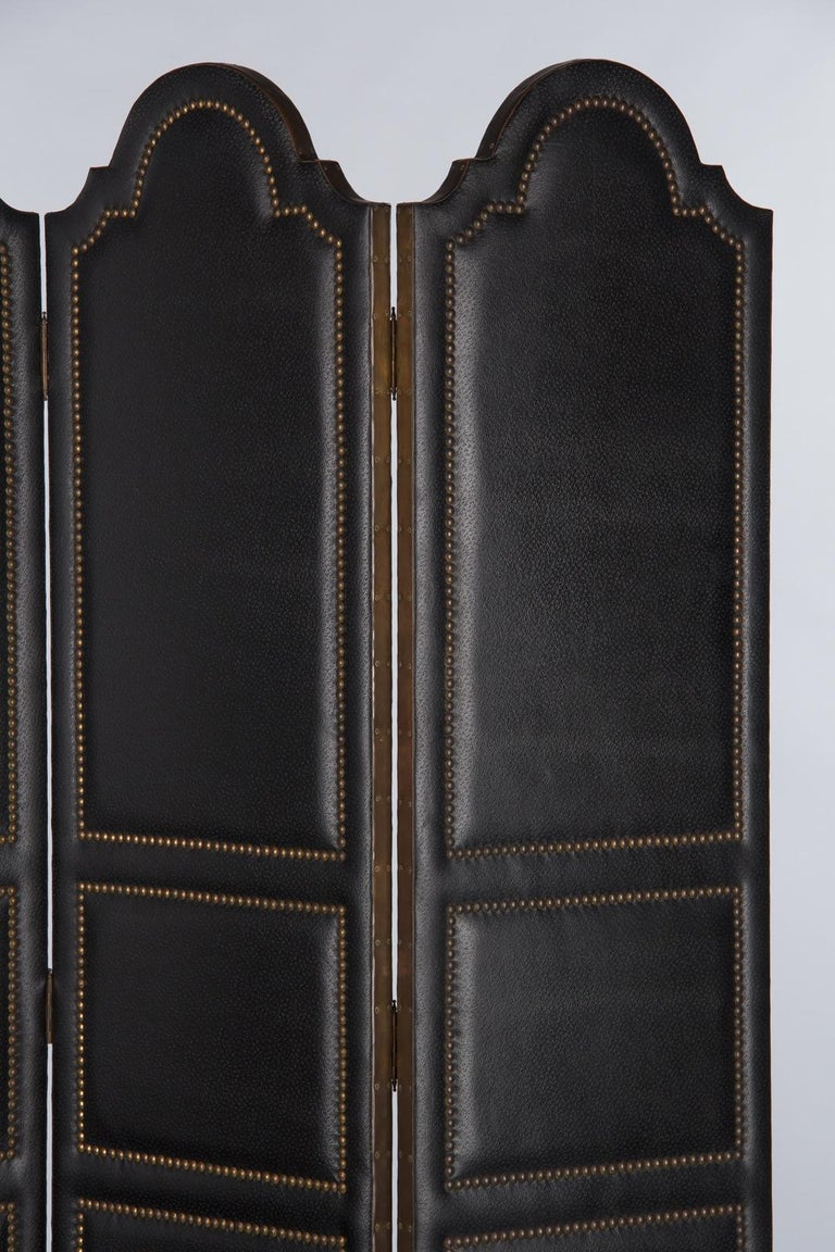 French Leather and Brass Screen by Pierre Gautier, 1950s In Good Condition For Sale In Austin, TX
