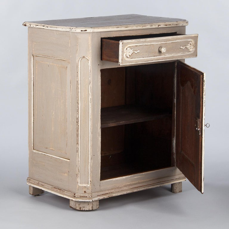 French Louis XIV Painted Oak Confiturier Cabinet, 18th Century For Sale 1