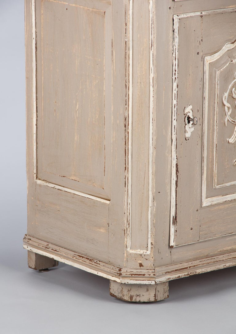 French Louis XIV Painted Oak Confiturier Cabinet, 18th Century For Sale 5