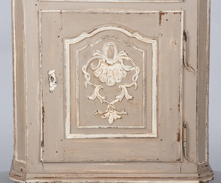 French Louis XIV Painted Oak Confiturier Cabinet, 18th Century For Sale 13