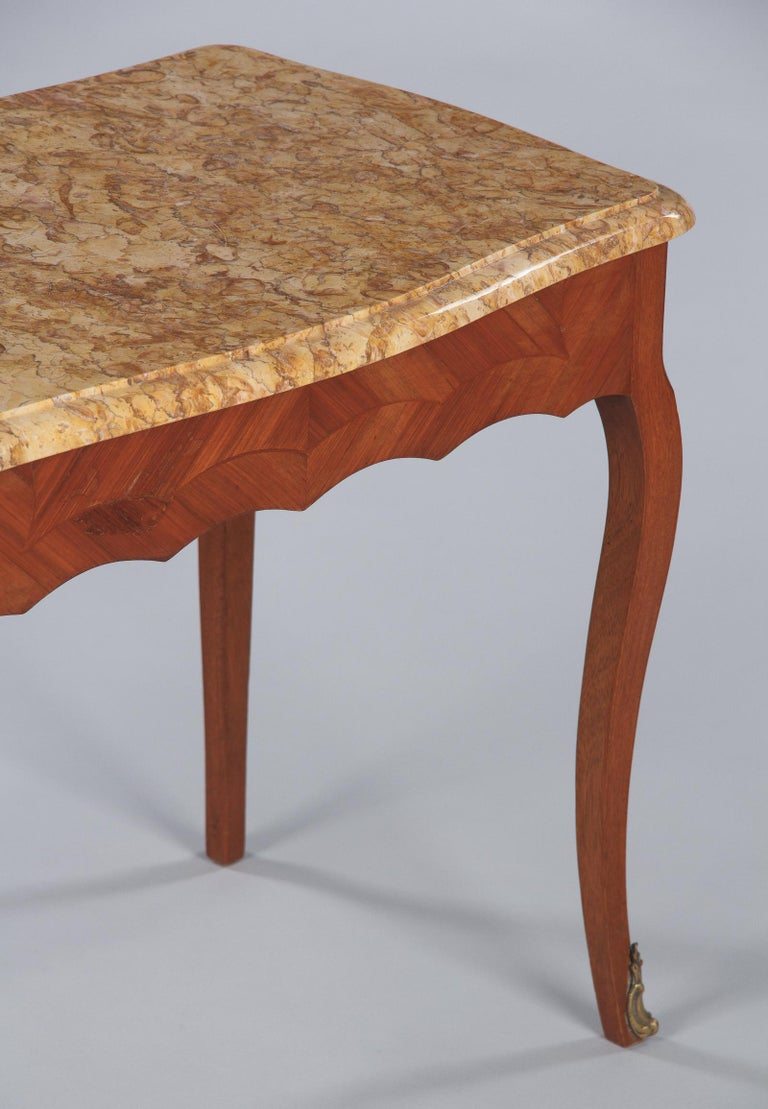 French Louis XV Style Marble Top Side Table, 1940s For Sale 1