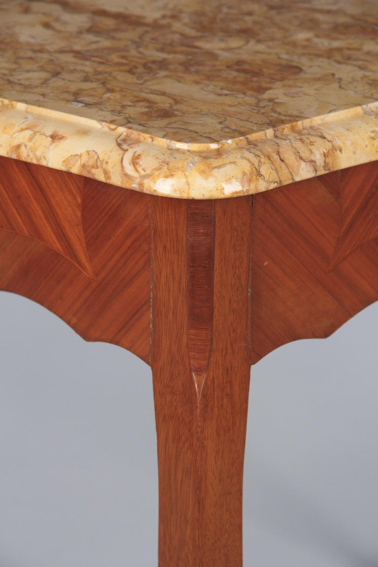 French Louis XV Style Marble Top Side Table, 1940s For Sale 5