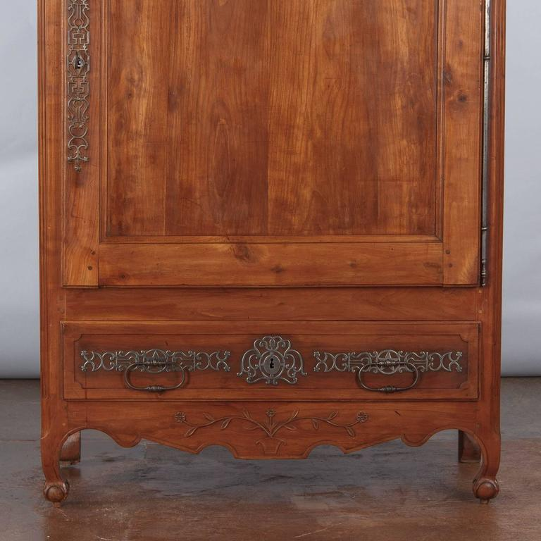 French Louis XV Cherrywood Bonnetiere Armoire, 18th Century For Sale 2