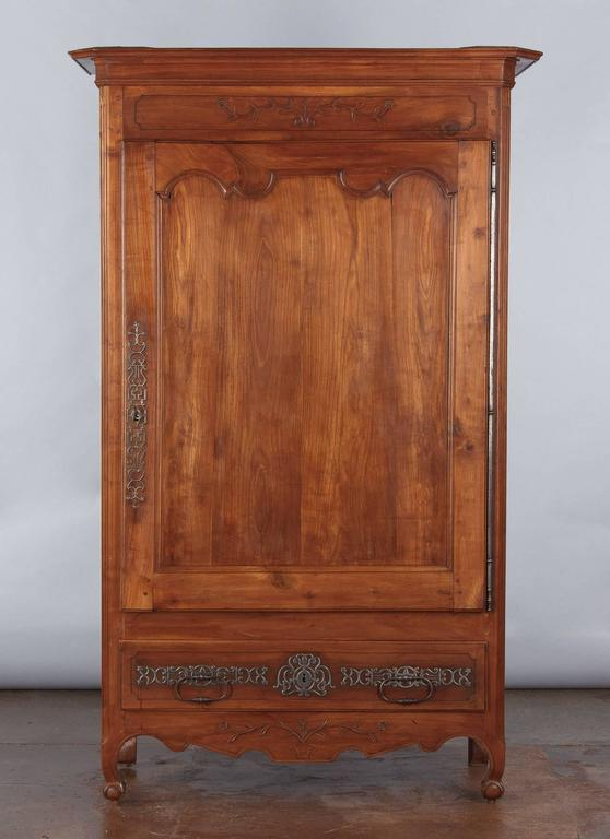 French Louis XV Cherrywood Bonnetiere Armoire, 18th Century For Sale 6