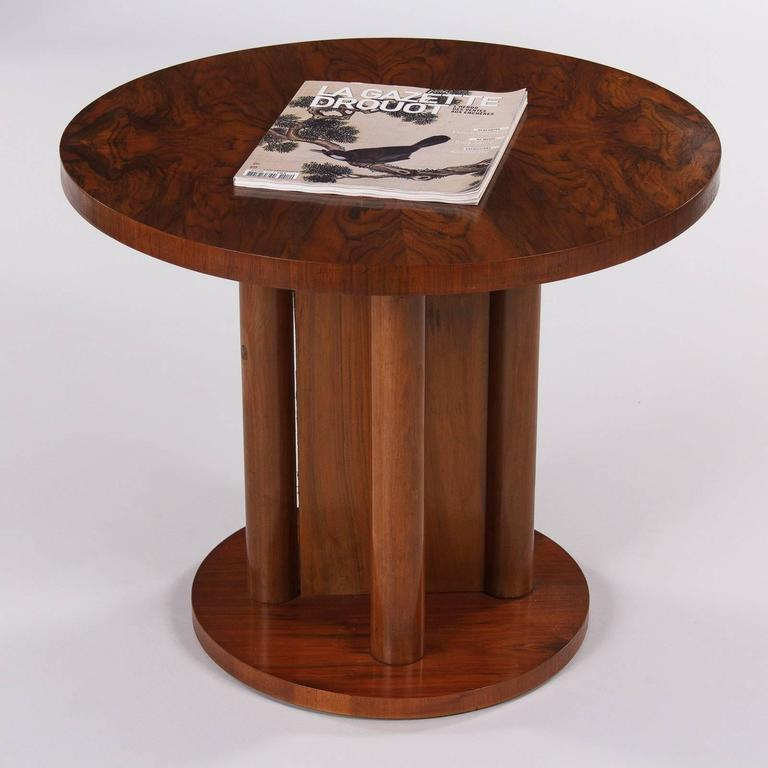 French Art Deco Round Walnut Side Table, 1930s For Sale 1