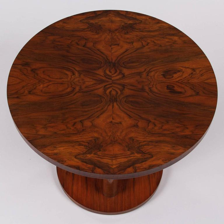French Art Deco Round Walnut Side Table, 1930s In Good Condition For Sale In Austin, TX