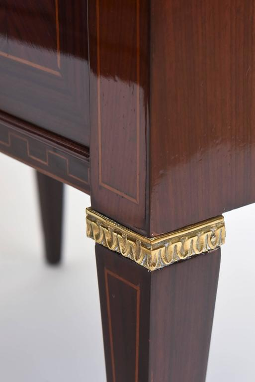 Mid-20th Century Pair of Italian Modern Rosewood and Walnut Inlaid Nightstands, Paolo Buffa For Sale