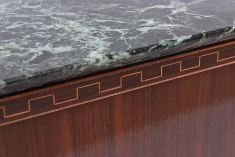 Pair of Italian Modern Rosewood and Walnut Inlaid Nightstands, Paolo Buffa For Sale 4