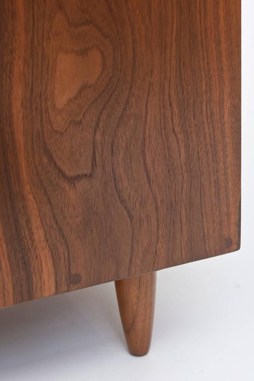 Pair of American Modern Walnut Night Tables, George Nakashima For Sale 3