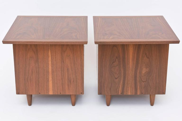 Pair of American Modern Walnut Night Tables, George Nakashima For Sale 5