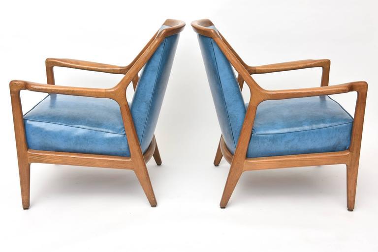 Pair of Italian Modern Walnut Armchairs, Carlo di Carli In Excellent Condition For Sale In Miami, FL
