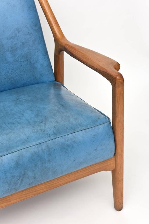 Mid-20th Century Pair of Italian Modern Walnut Armchairs, Carlo di Carli For Sale