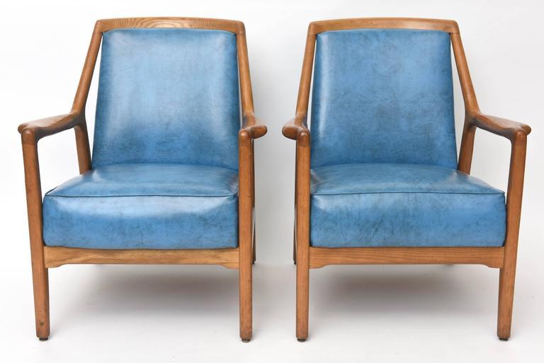 Pair of Italian Modern Walnut Armchairs, Carlo di Carli For Sale 1