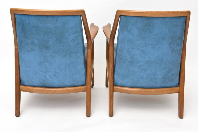 Pair of Italian Modern Walnut Armchairs, Carlo di Carli For Sale 4