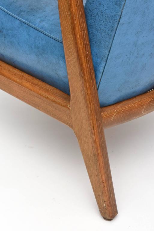 Pair of Italian Modern Walnut Armchairs, Carlo di Carli For Sale 5