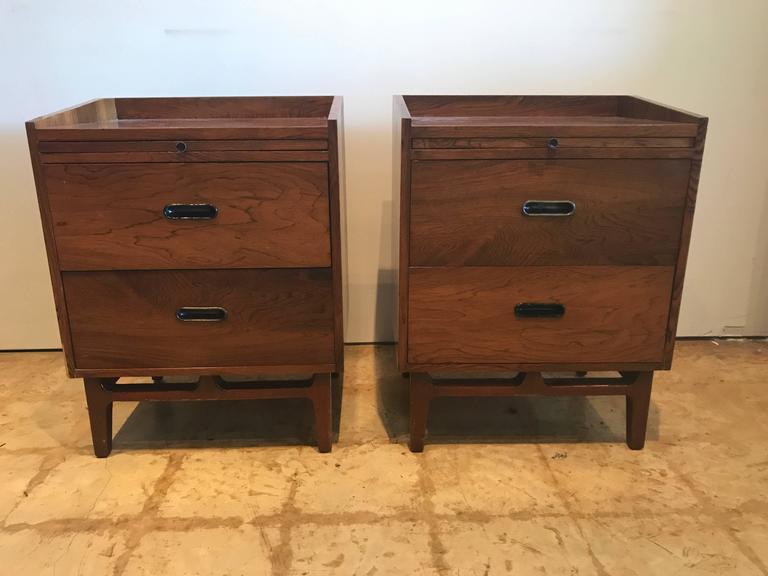 Danish Nanna Ditzel Pair of Rosewood Bedside Tables, Søren Willadsen Møbelfabrik, Denma For Sale