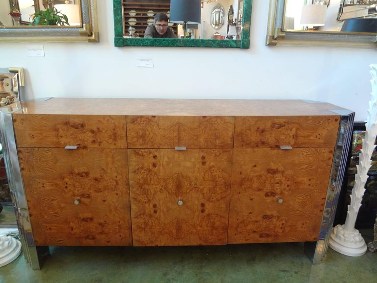 Gorgeous Mid-Century Modern Milo Baughman or Pace style skyscraper burled elm and chrome buffet or credenza. Three drawers above three cabinets.