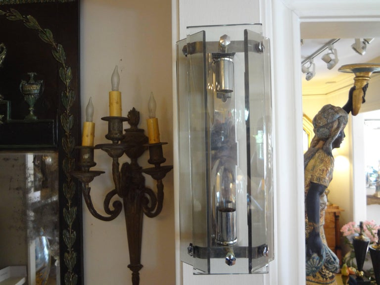 Pair of Italian Mid-Century Modern Glass Sconces Inspired by Fontana Arte In Good Condition For Sale In Houston, TX