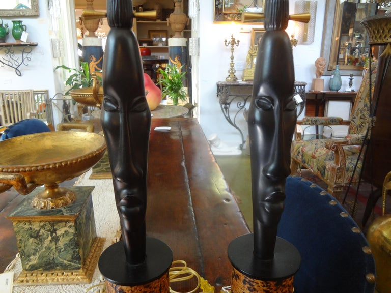 Hollywood Regency Pair of Mid Century African Inspired Modernist Lamps For Sale