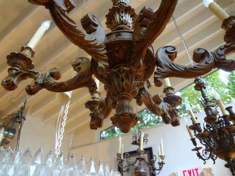 Antique Italian Six-Arm Carved Wood Chandelier For Sale 1